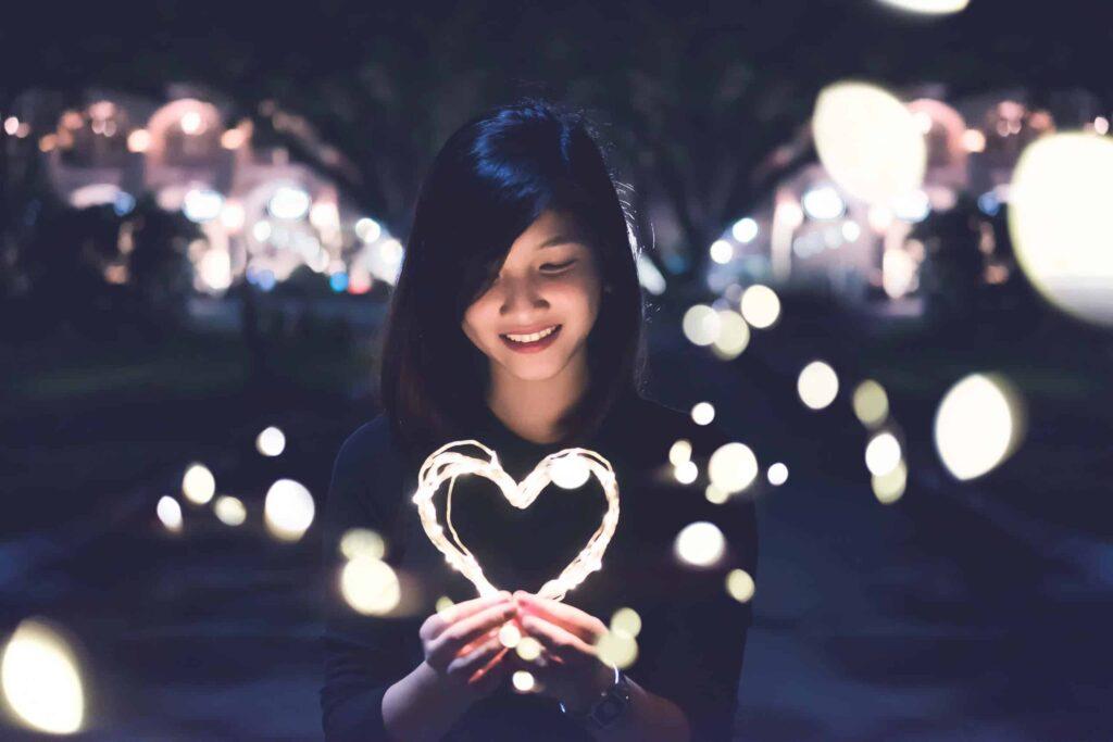Illuminating the World - The Art of Living Retreat Cente