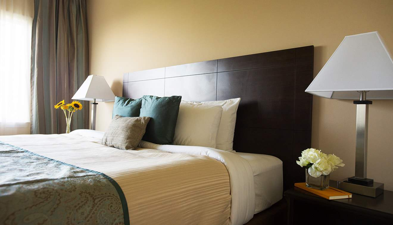 Rooms are available for up to 1,000 guests!