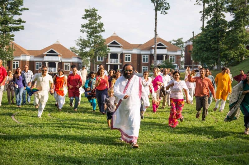 sri sri walking
