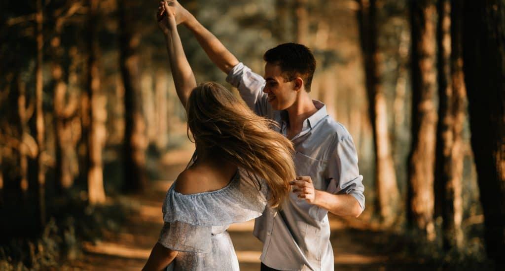 coulpe dancing header image